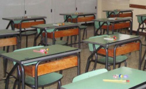 Esami di maturità in Campania, test e tamponi anti-Covid per professori e bidelli